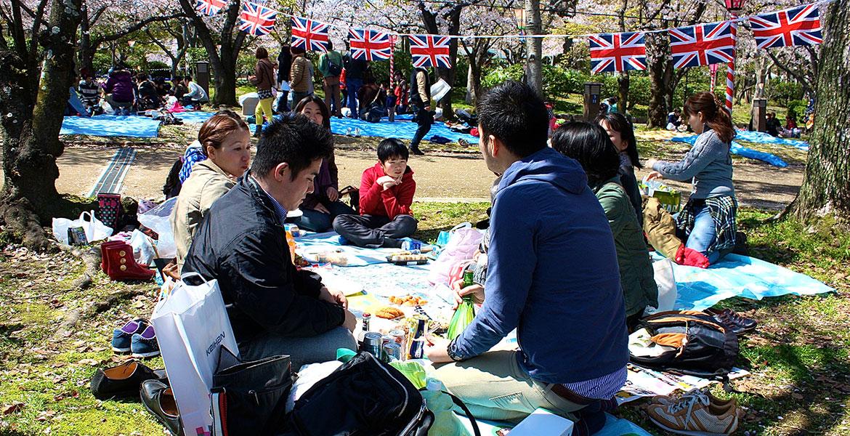 イギリス文化と日本の文化両方をイギリス英語で楽しんでいただけます。