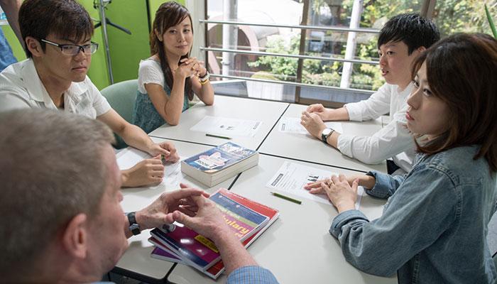 関西でトップの実績を誇るIELTSの試験対策コースの授業風景