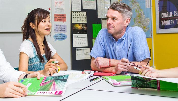 少人数制で指導の目が行き届くイギリス英語学校