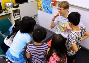 こども英語 体験レッスン UKPLUS Osaka イギリス英語学校