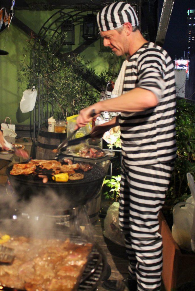 イギリス英語学校 UKPLUS Osaka  ハロウィンイベント BBQ
