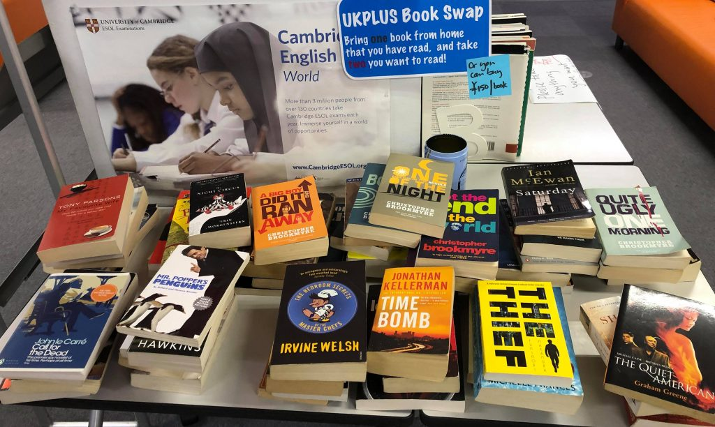 Book Swap 本の交換 洋書 イギリス英語学校 UKPLUS Osaka